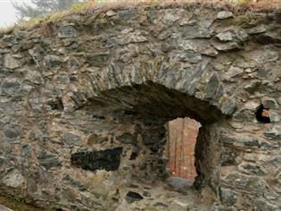 Ohradní zeď břitové předsunuté bašty